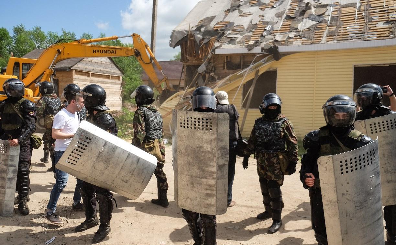 В Плеханово начали сносить дома в цыганском таборе