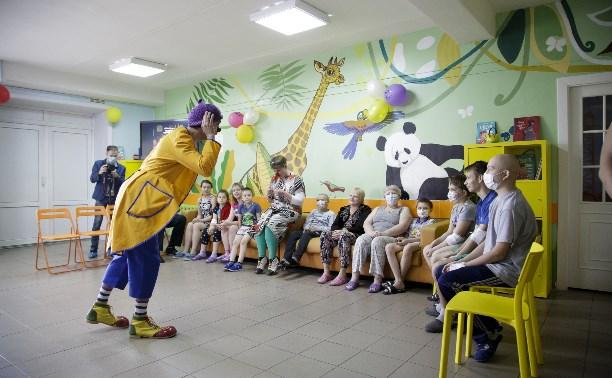 В Тульскую детскую больницу приехали клоуны и Фиксики