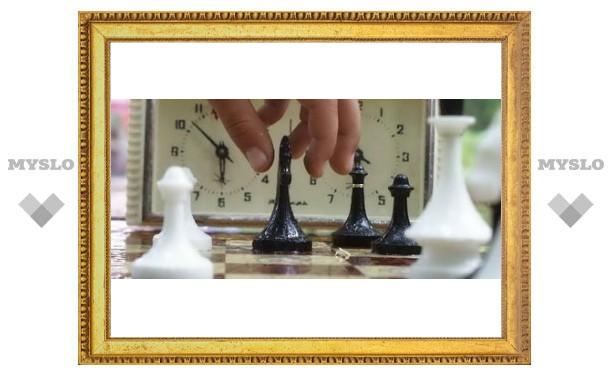 Под Тулой дети играют в шахматы