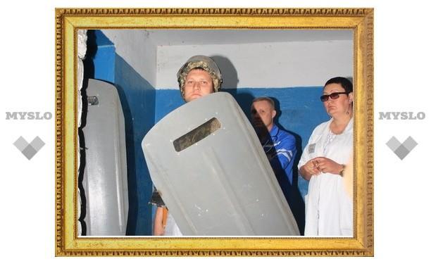 Под Тулой полиция собирается штурмовать квартиру