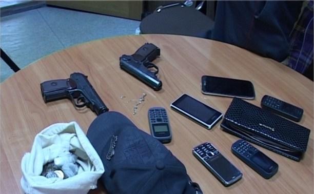 Туляки средь бела дня ограбили офис фирмы по подбору персонала