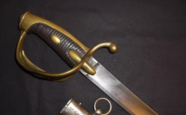 Полицейские Узловского района раскрыли кражу коллекционного холодного оружия