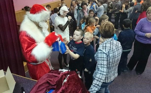 Детям Тульской коррекционной школы-интерната устроили новогодний праздник