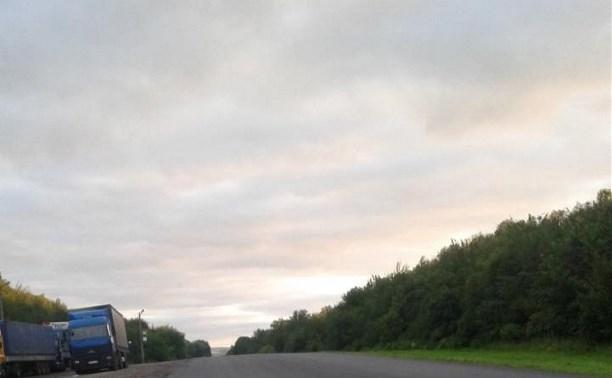 Ночью на трассе «Крым» водитель Acura насмерть сбил мужчину