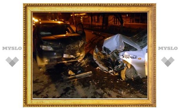 Пьяная, без водительских прав тулячка протаранила такси