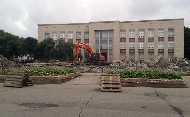 Ушла эпоха: фонтана на площади Искусств больше нет