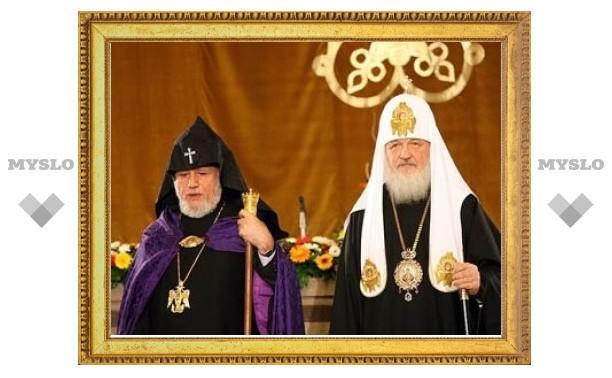 Азербайджанский мулла и русский патриарх позвали в Баку Католикоса армян