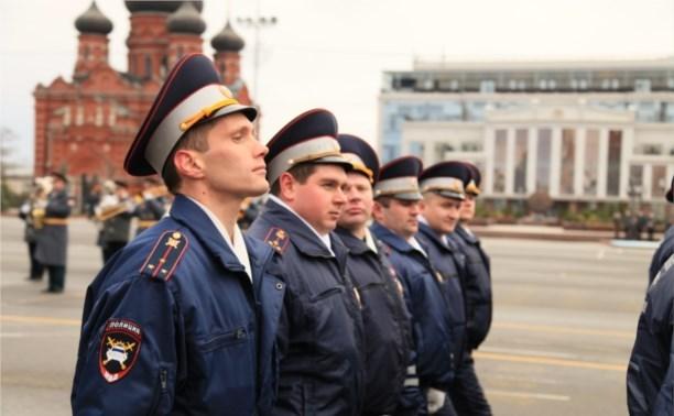 Владимир Груздев поздравил полицейских с профессиональным праздником