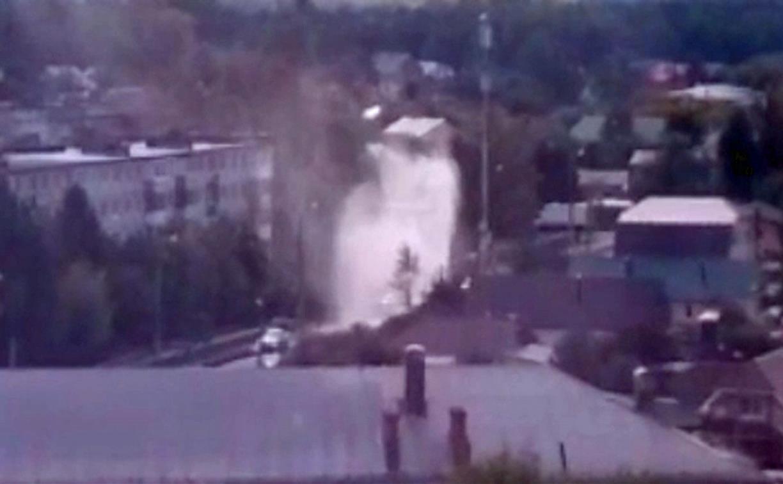 Туляк заснял в Пролетарском районе фонтан кипятка