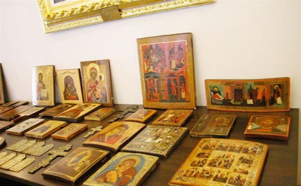 В Скуратово женщина украла две иконы XVII века