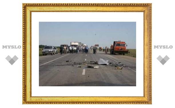 Под Тулой в аварии погибли три человека