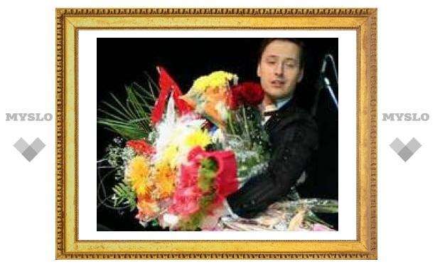 Витаса в Туле задарили цветами