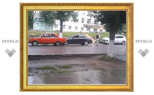 Водитель, еле стоявший на ногах, совершил двойное ДТП в центре Тулы