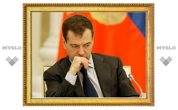 Медведев освободит тяжелобольных заключенных