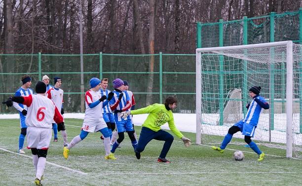 В футбольном турнире «Снеговик» позади игры второго тура