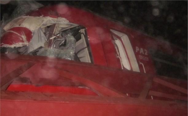 Ночью в Донском грузовик столкнулся с поездом