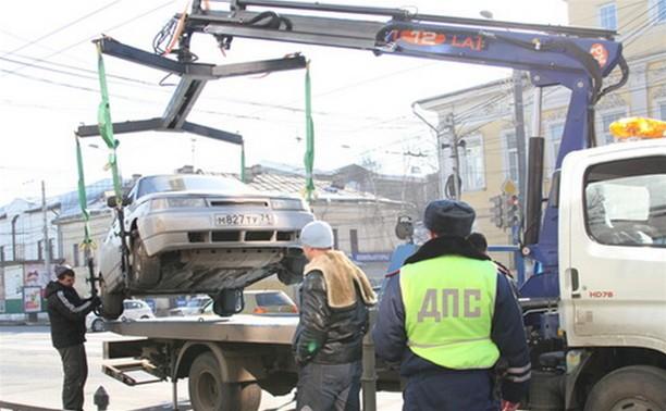 Ежедневно в Тульской области эвакуируют по 20-30 машин