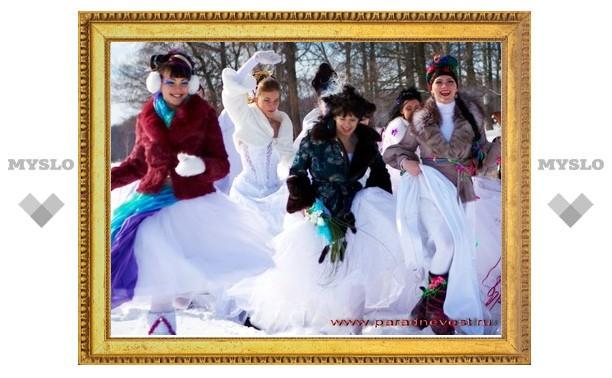В Туле прошел первый зимний «Парад невест»