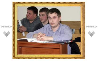 В Туле рассматривают иск полицейских к экс-члену общественного Совета при МВД Павлу Пятницкому