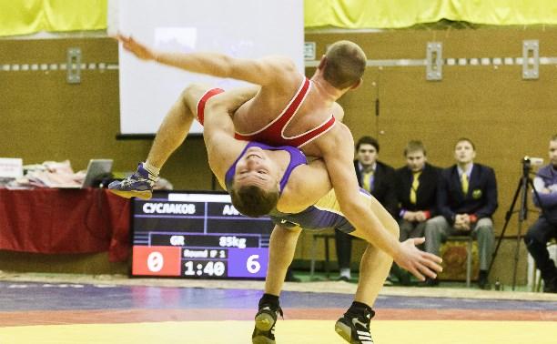 Туляки достойно выступили на домашнем турнире по греко-римской борьбе