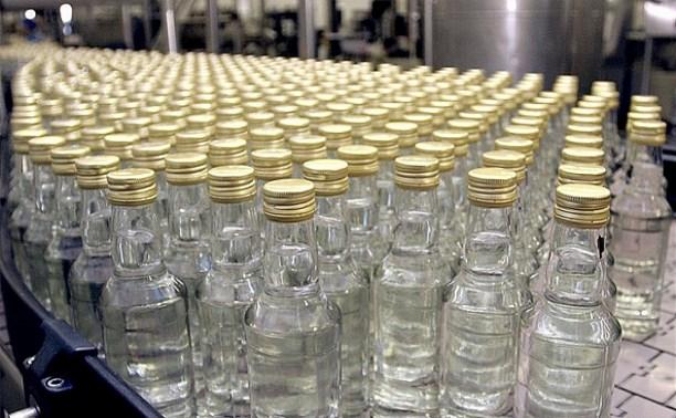 В российских магазинах подешевела водка