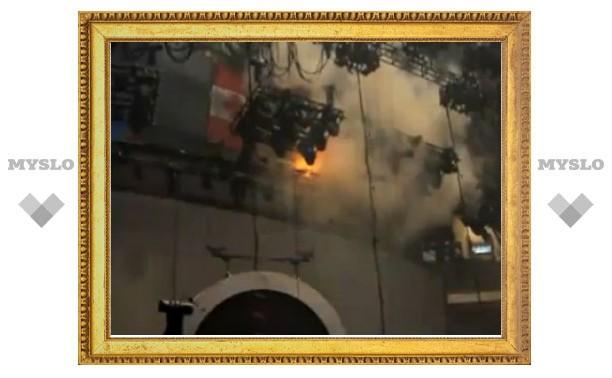 Рианна устроила пожар на сцене