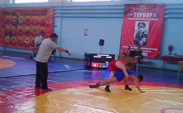 В Туле прошли соревнования по греко-римской борьбе
