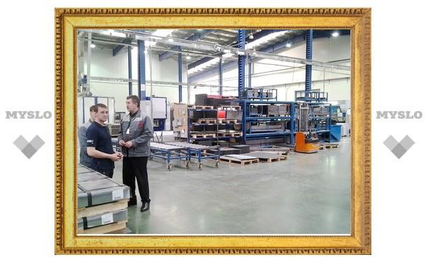 Полпред Александр Беглов проверил, как работают узловские заводы