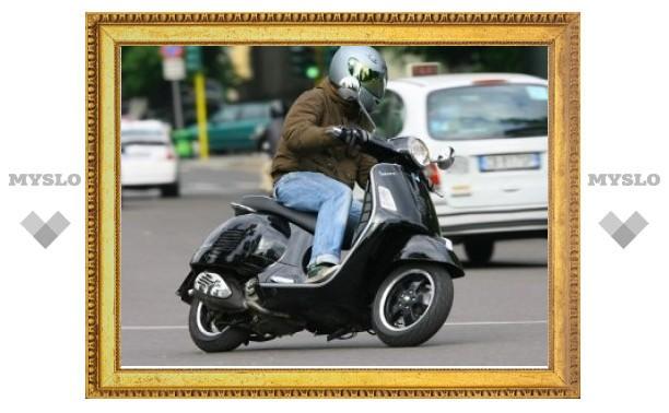 Госдуме предложили заставить владельцев скутеров сдавать на права