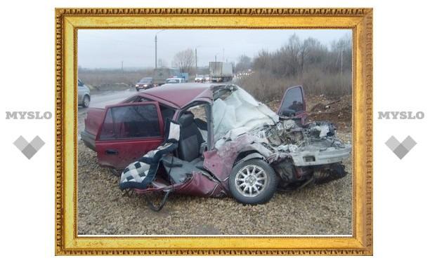 В Туле скончался водитель столкнувшейся с автобусом иномарки