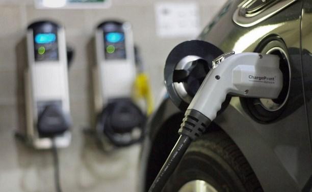 Правительство РФ разрешило устанавливать на АЗС колонки для электродвигателей