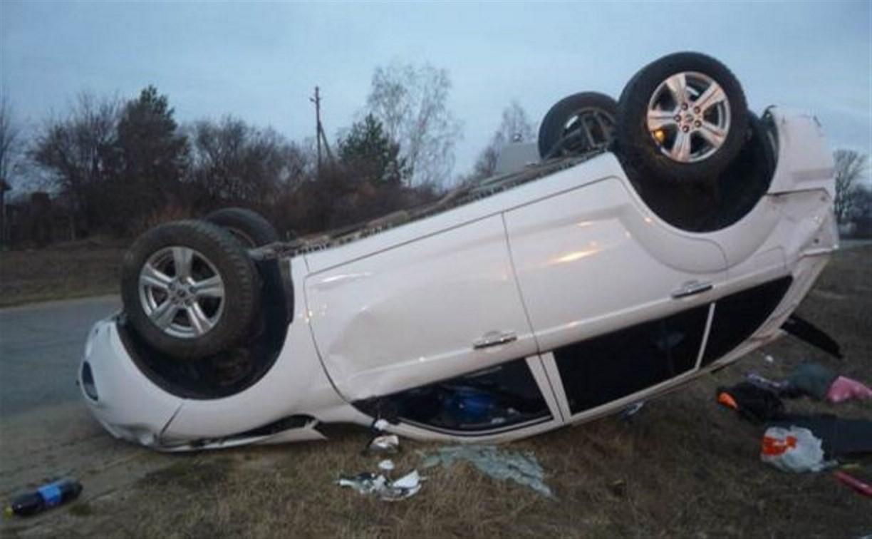 Утром в Тульской области перевернулись два автомобиля