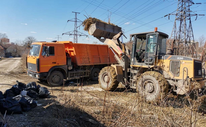 Первый субботник в Туле: на уборку города вышли 12 тыс. человек