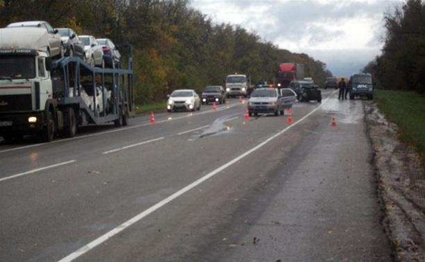 ДТП на трассе «Крым»: один из автомобилей загорелся