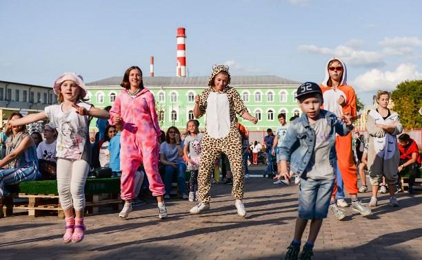 На тульском «Газоне» прошла пижамная вечеринка: большой фоторепортаж
