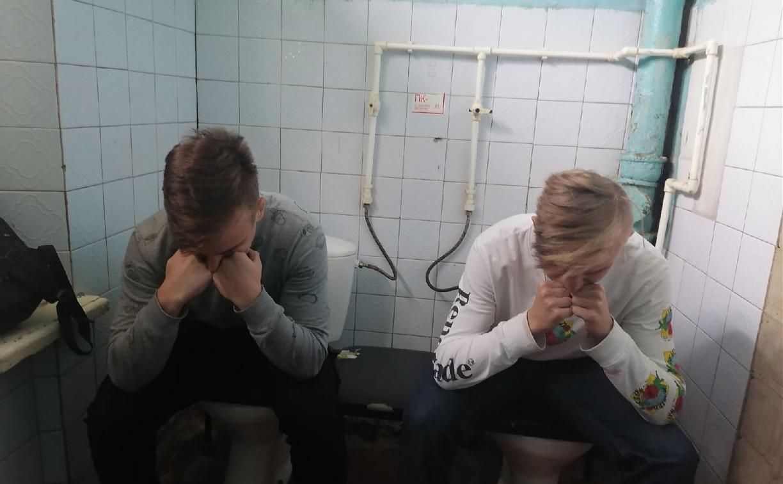 Приспичило: что не так с туалетами в школах и вузах Тульской области?