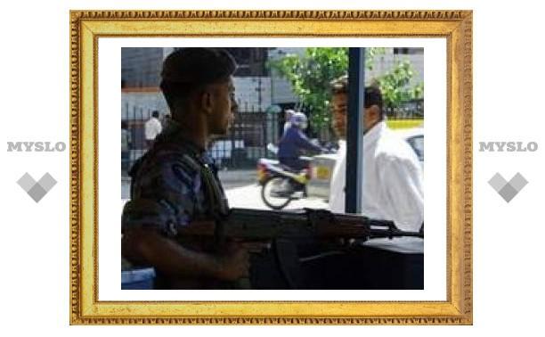 """Тамильские """"тигры"""" сбросили на Коломбо две бомбы"""