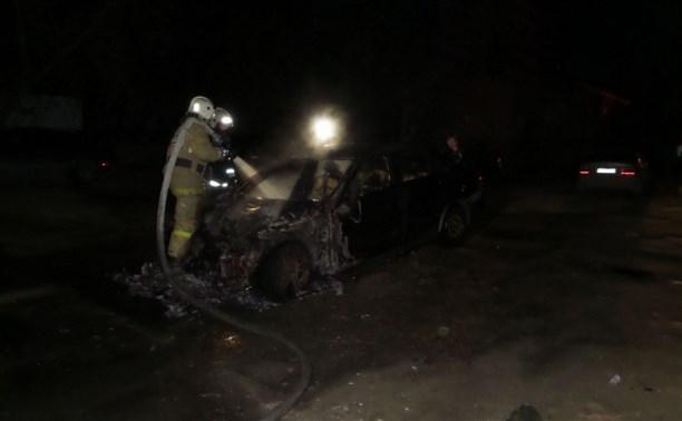 Ночью на Дм. Ульянова сгорела иномарка