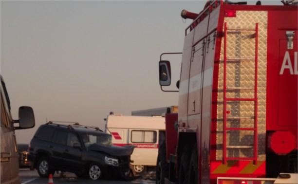 На Калужском шоссе столкнулись фура и «Тойота»