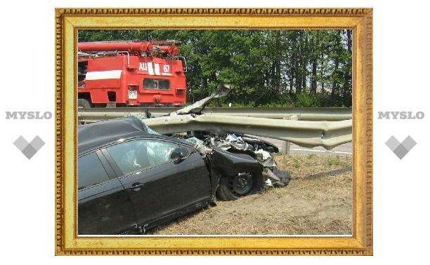 Под Тулой дорожное ограждение проткнуло «Фольксваген»