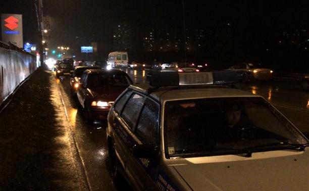 В Туле три десятка таксистов спасали коллегу от пьяной компании