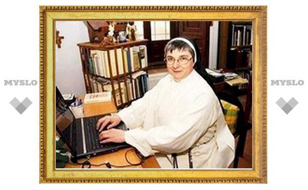 В Испании монахиню изгнали из ордена за увлечение Facebook