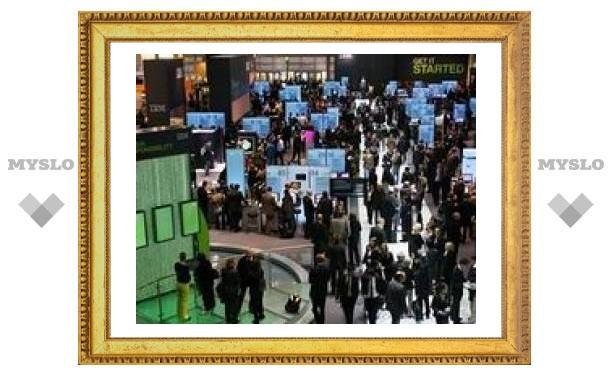На выставке технологий CeBIT 2008 нашли пиратскую продукцию