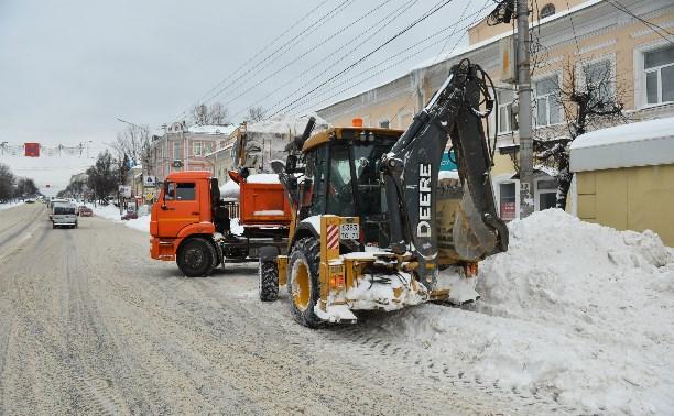 На улицах Тулы работает вся возможная снегоуборочная техника