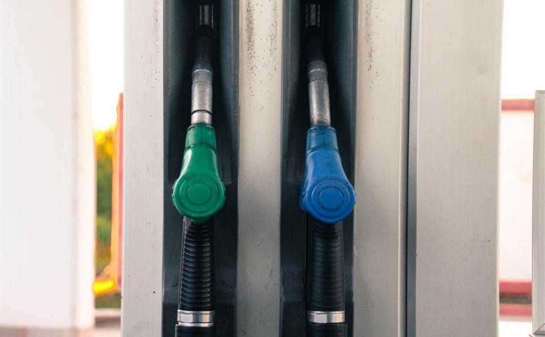 Аналитики подсчитали, сколько бензина можно купить на месячную зарплату в Туле