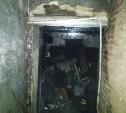 Пожар в пятиэтажке Донского: С верхнего этажа по лестнице вывели двух человек