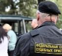 В Новомосковске мужчина напал на судебного пристава