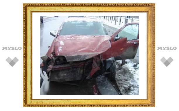 На щекинской трассе столкнулись две машины