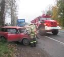 В Узловском районе «Жигули» врезались в дерево