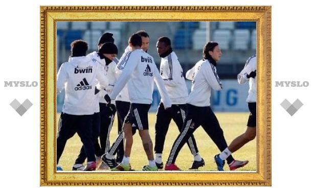 "Автобус с футболистами ""Реала"" закидали камнями в Барселоне"